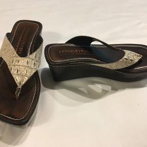 DONALD J PLINER Sassy Leather Sandal